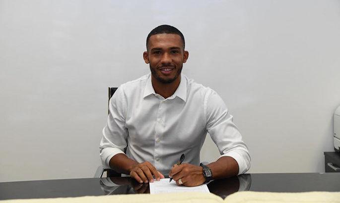 Офіційно: Наполі підписав чергового захисника Роми