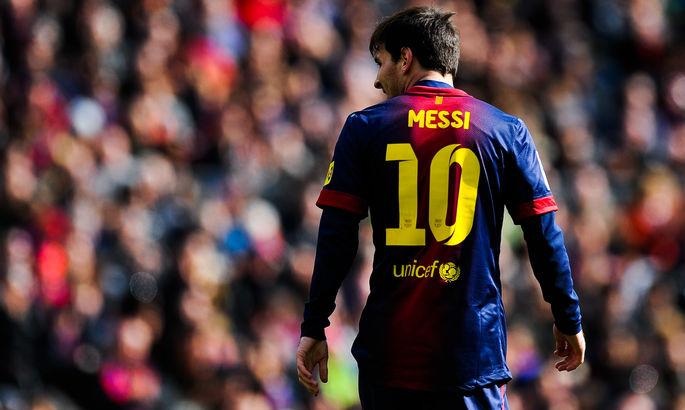 Агуэро не рискнет. В сезоне-2021/22 Барселона не отдаст никому 10-й номер