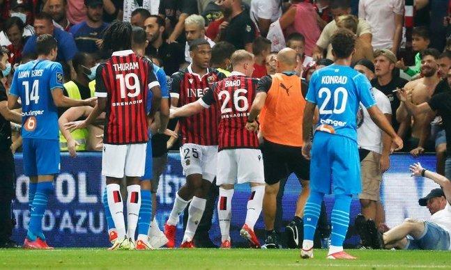 Лига 1. Матч Ницца –Марсель отложен из-за беспорядков