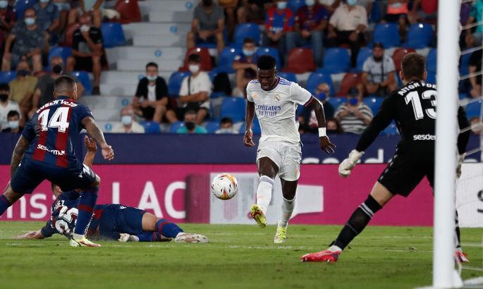 Тренер новый - проблемы старые. Леванте - Реал 3:3. Обзор матча и видео голов