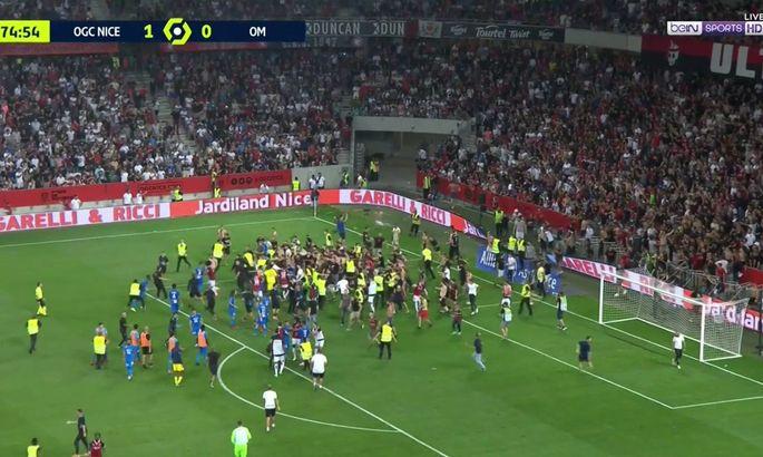 Марселю присудят техническое поражение за отказ возобновить матч с Ниццей после прорыва фанатов на поле