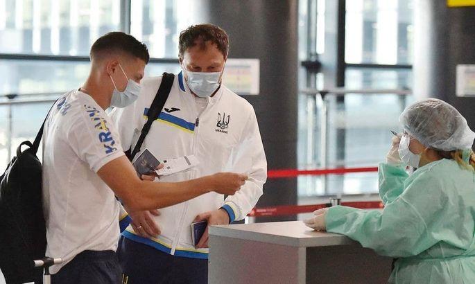 Сборная Украины прибыла в Казахстан - ФОТО