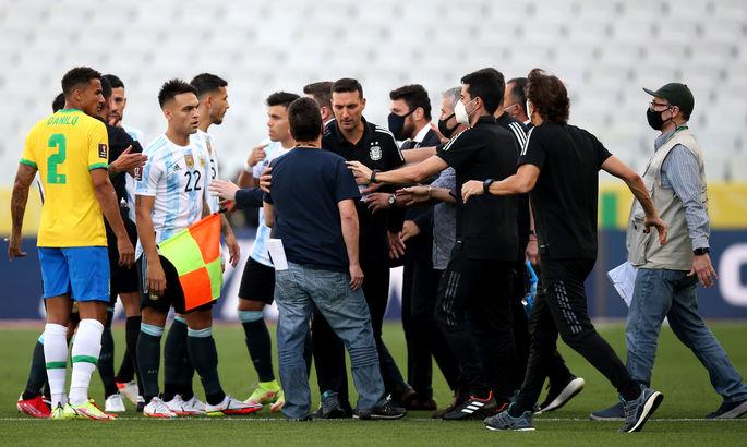 Матч Бразилия - Аргентина остановлен по настоянию местных властей