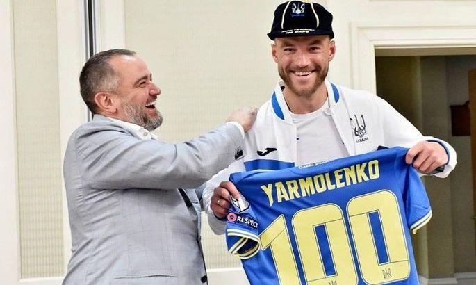 100 матчей за сборную. Ярмоленко получил памятные призы от УЕФА и УАФ