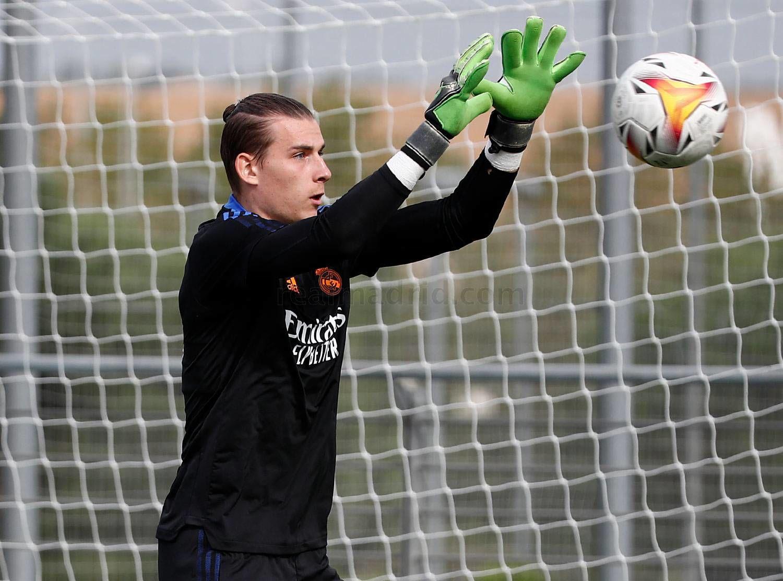 Лунин вернулся к тренировкам с Реалом - ФОТО - изображение 2
