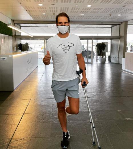 Надаль прошел курс лечения стопы в Барселоне. Фото - изображение 1