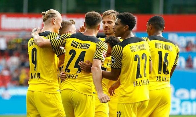 Бундеслига. Дортмунд перестрелял Байер, Вольфсбург продолжил победную серию