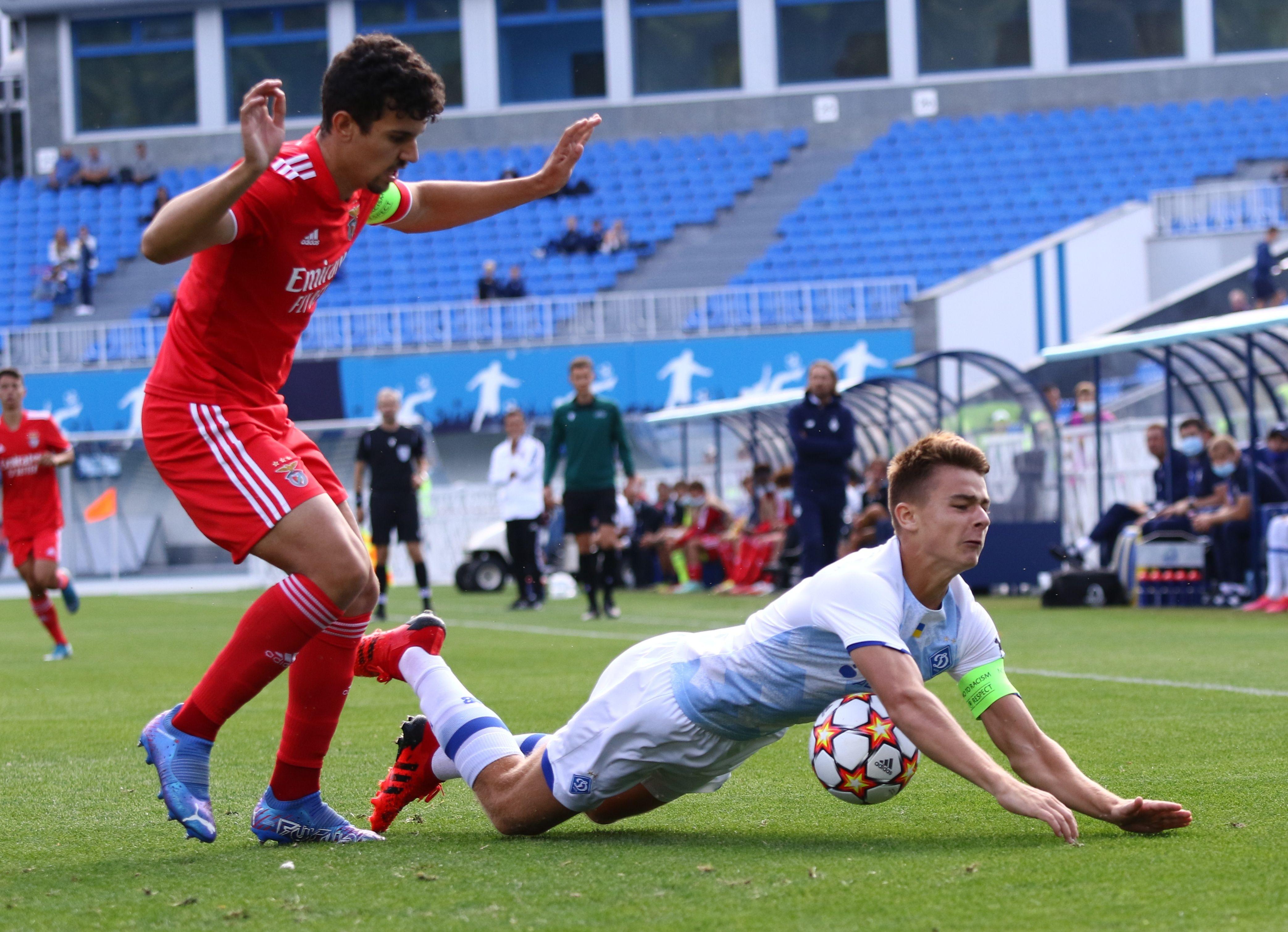 Отличный старт! ФОТО репортаж с матча Юношеской лиги УЕФА Динамо - Бенфика 4:0 - фото 5