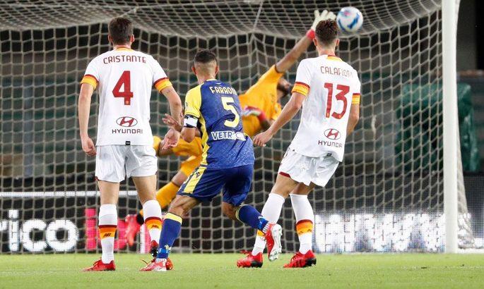 Серия А. Рим теряет очки против новых тренеров: первое поражение Моуриньо, ничья Сарри