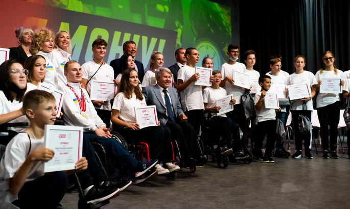 Дети с инвалидностью могут все. Parimatch Foundation поддержал стипендиями маленьких спортсменов с инвалидностью