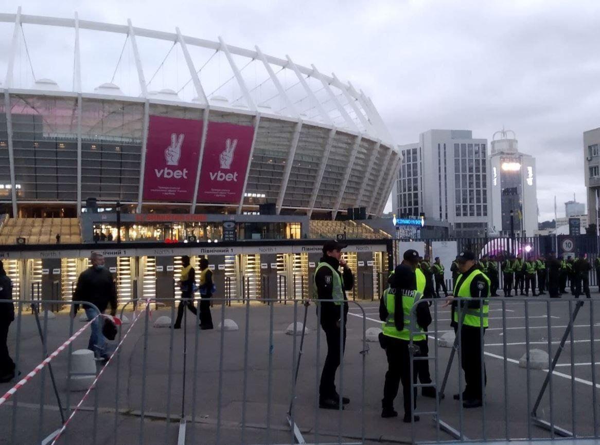 Шахтар відкрив фан-шоп на НСК Олімпійський - изображение 1