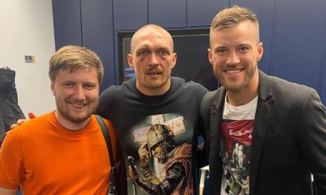 ФОТО, как Ярмоленко и Шевченко поддерживали Усика на стадионе Тоттенхэма