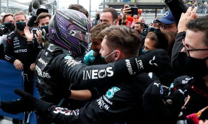 Сумасшедшая победа Хэмилтона в Сочи: лучшие моменты гонки. ВИДЕО
