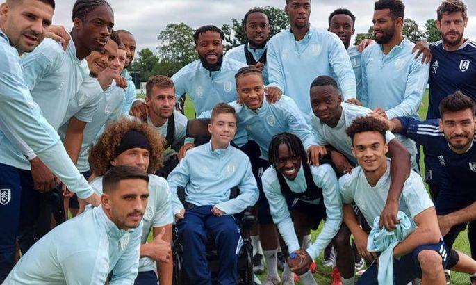 Фулхэм мощно поддержал британского подростка с ДЦП, которого в Сети высмеяли за игру в футбол