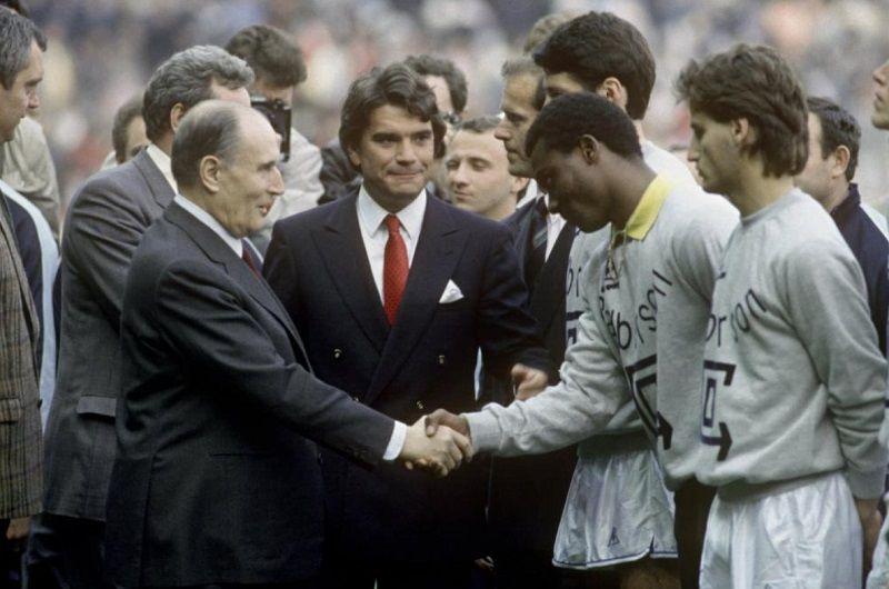 Травил соперников, подкупал судей, выиграл ЛЧ: главный мошенник французского футбола умер в 78 лет - изображение 1