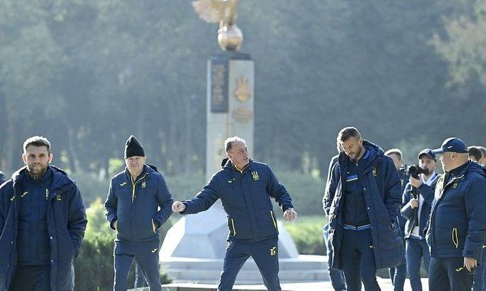 Как прошел день сборной Украины: прогулка парком, карточки FIFA и тренировка на Арене Львов