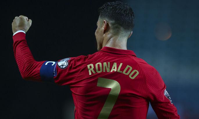 """""""Это заложено у меня в ДНК"""". Роналду обновил рекорд по количеству забитых мячей и хет-триков за сборную"""