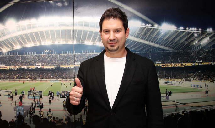 Клуб, за который выступает украинец Шахов, получил нового тренера