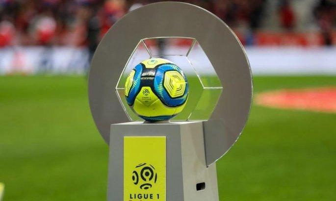 Во Франции на законодательном уровне запретили проведение матчей 5 мая