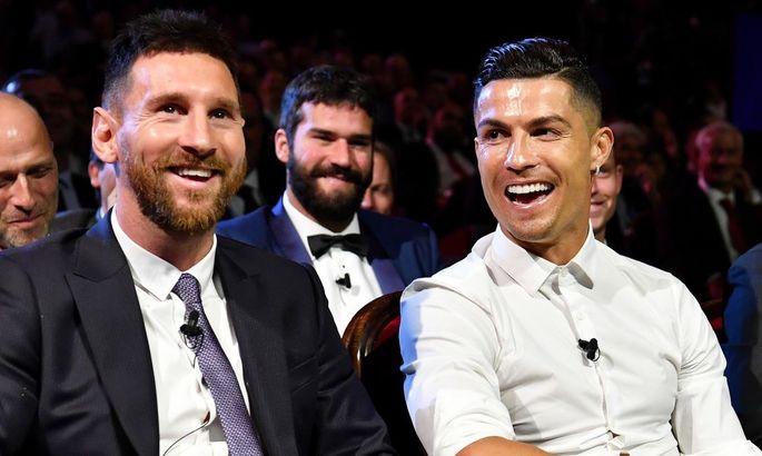 Агуэро: Роналду – больше форвард, чем Месси. Он забивает, забивает и забивает