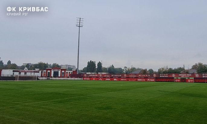 На стадіоні Гірник у Кривому Розі встановлено вишку для освітлення за параметрами УЄФА