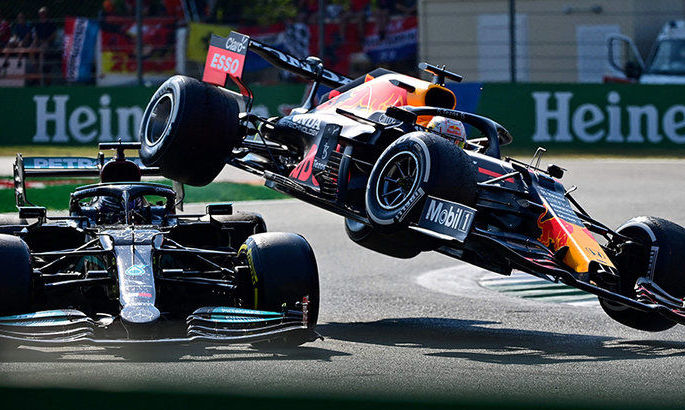 Ферстаппен обозвал Хэмилтона и показал ему средний палец во время практики на Гран-при США